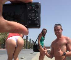Valentina Nappi's public ass showoff